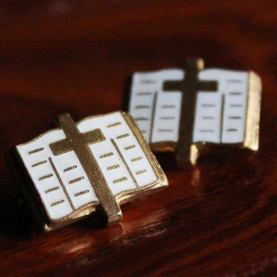画像1: USAヴィンテージ十字架&聖書ピンバッジ キリスト教聖品クロス&バイブルクリスチャンブローチ