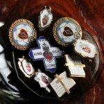 画像7: USAヴィンテージ聖心ピンバッジ|キリスト教聖品sacred heart of JesusカトリックブローチC (7)