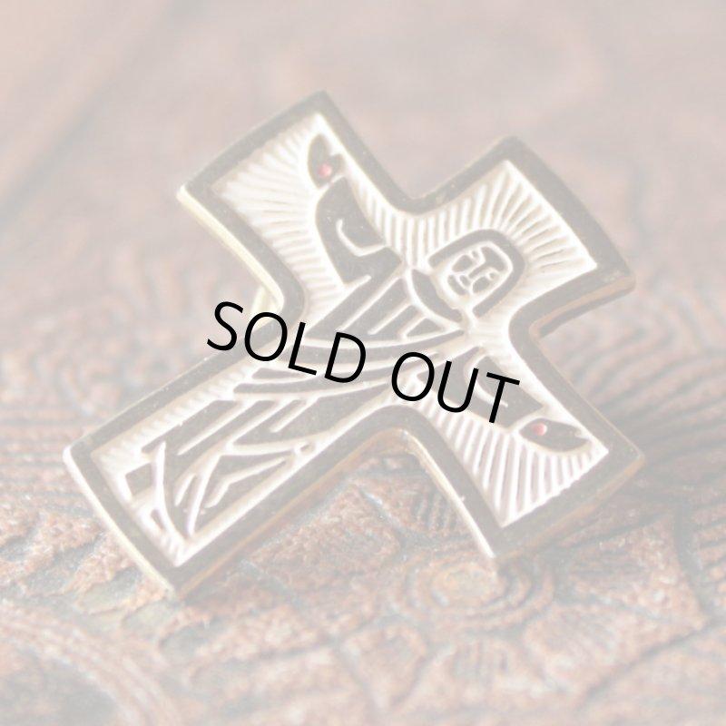 画像1: USAヴィンテージピンバッジ十字架磔刑イエスキリスト像ブローチ|アンティーク雑貨聖品 (1)