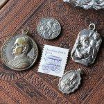 画像4: 聖クリストファー・聖アンナとマリアのメダイ|アンティークメダイカトリックフランスヴィンテージ (4)