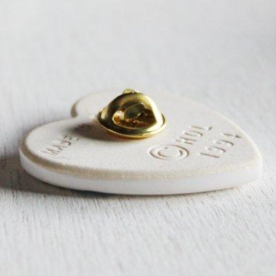 画像2: USAヴィンテージイエスキリストのハートクリスチャン陶器製ピンバッジJesus is the heart of the seasonブローチ