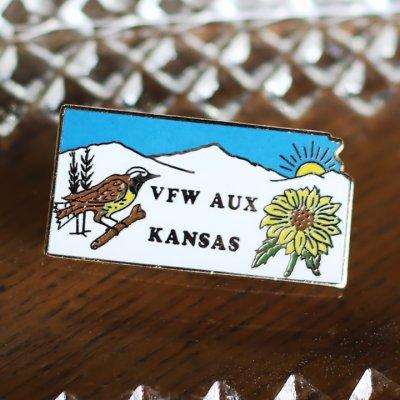 画像1: アメリカン雑貨ヴィンテージピンバッジ・ピンズ|VFW米軍退役軍人カンザス州鳥とひまわり