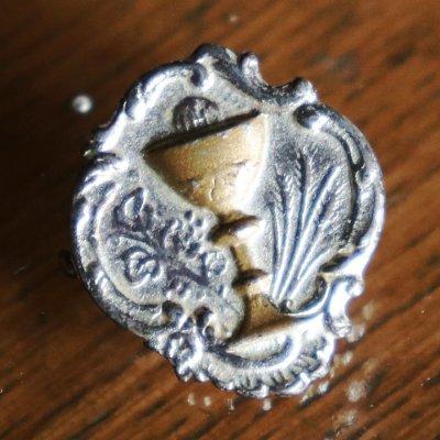 画像1: USAヴィンテージ初聖体・聖杯と聖霊のピンバッジピンズブローチ|first holy communionアンティークジュエリー