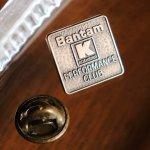 画像2: USAヴィンテージKoehring Bantamピンバッジ銅ブロンズJOSTENS|インダストリアル工業系重機アンティークピンズ (2)