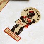 画像6: USAヴィンテージ紙ものパッケージラベル・ピーカンナッツプラリネを売る子供 アンティークアドバタイジング (6)