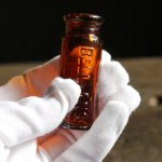 画像6: USAヴィンテージアンバーガラスミニメディシンボトル|BELL ANS薬瓶 (6)