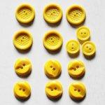 画像1: USAヴィンテージソーイングボタン黄色|プラスティック・ベークライト・イエロー14個 (1)