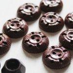 画像4: USAヴィンテージソーイングボタン茶色|プラスティック・ベークライト・ブラウン24個 (4)
