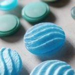 画像12: USAヴィンテージソーイングボタン水色|プラスティック・ベークライト・ライトブルー28個 (12)