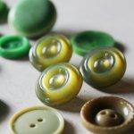 画像14: USAヴィンテージソーイングボタングリーン|プラスティック・ベークライト・緑42個 (14)