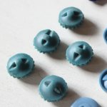 画像6: USAヴィンテージソーイングボタンブルー|プラスティック・ベークライト・青紺29個 (6)