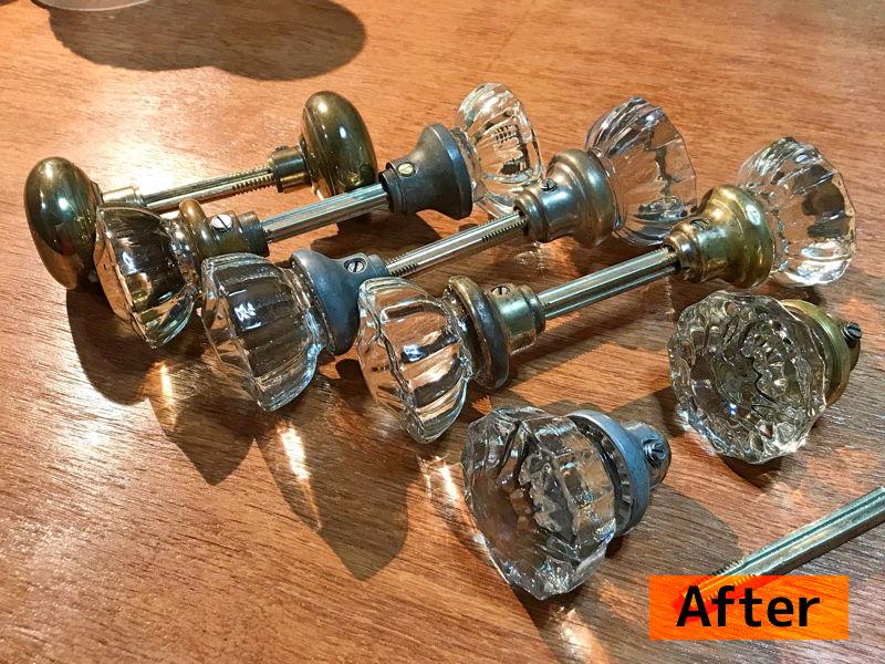 アンティークガラスドアノブ修理リペア風景・Antique glass door knobs repair