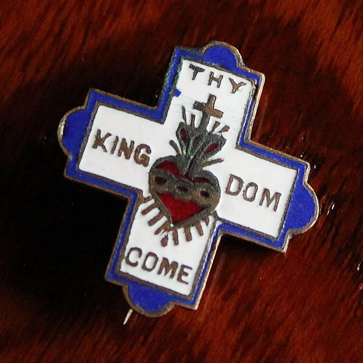 画像1: USAヴィンテージ十字架・ハートピンバッジ キリスト教聖品THY KINGDOM COMブローチ (1)