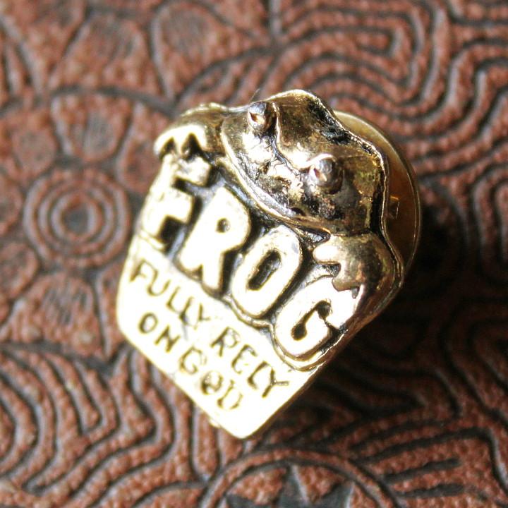 画像1: USA80sヴィンテージキリスト教ピンバッジ|Fully Rely On God FROG蛙祈り (1)