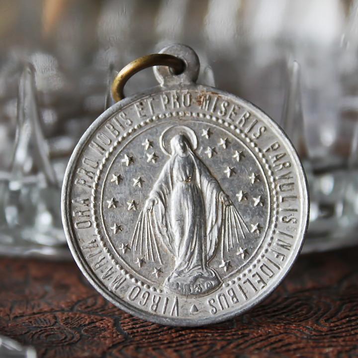 画像1: フランスヴィンテージ不思議のメダイ異教徒の子供を祝福するイエス|アンティークメダイキリスト教カトリックマリア聖品 (1)