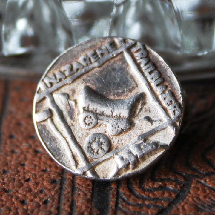 画像1: アメリカヴィンテージモルモン教ナザレ人・幌馬車のピンバッジ 末日聖徒イエスキリスト教会・開拓者のブローチ (1)