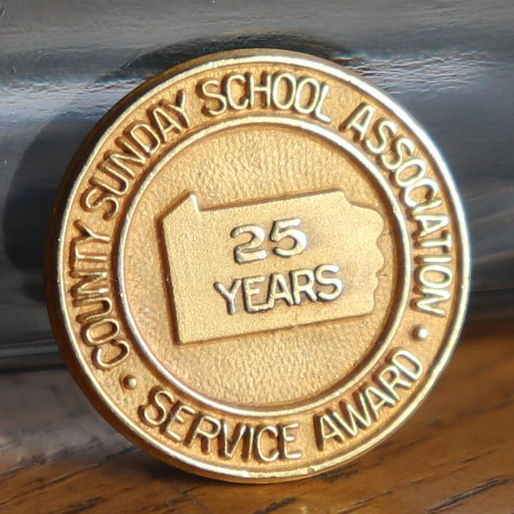 画像1: USAヴィンテージのキリスト教ペンシルベニア日曜学校25周年記念ピンバッジ|アンティークピンズブローチNY (1)