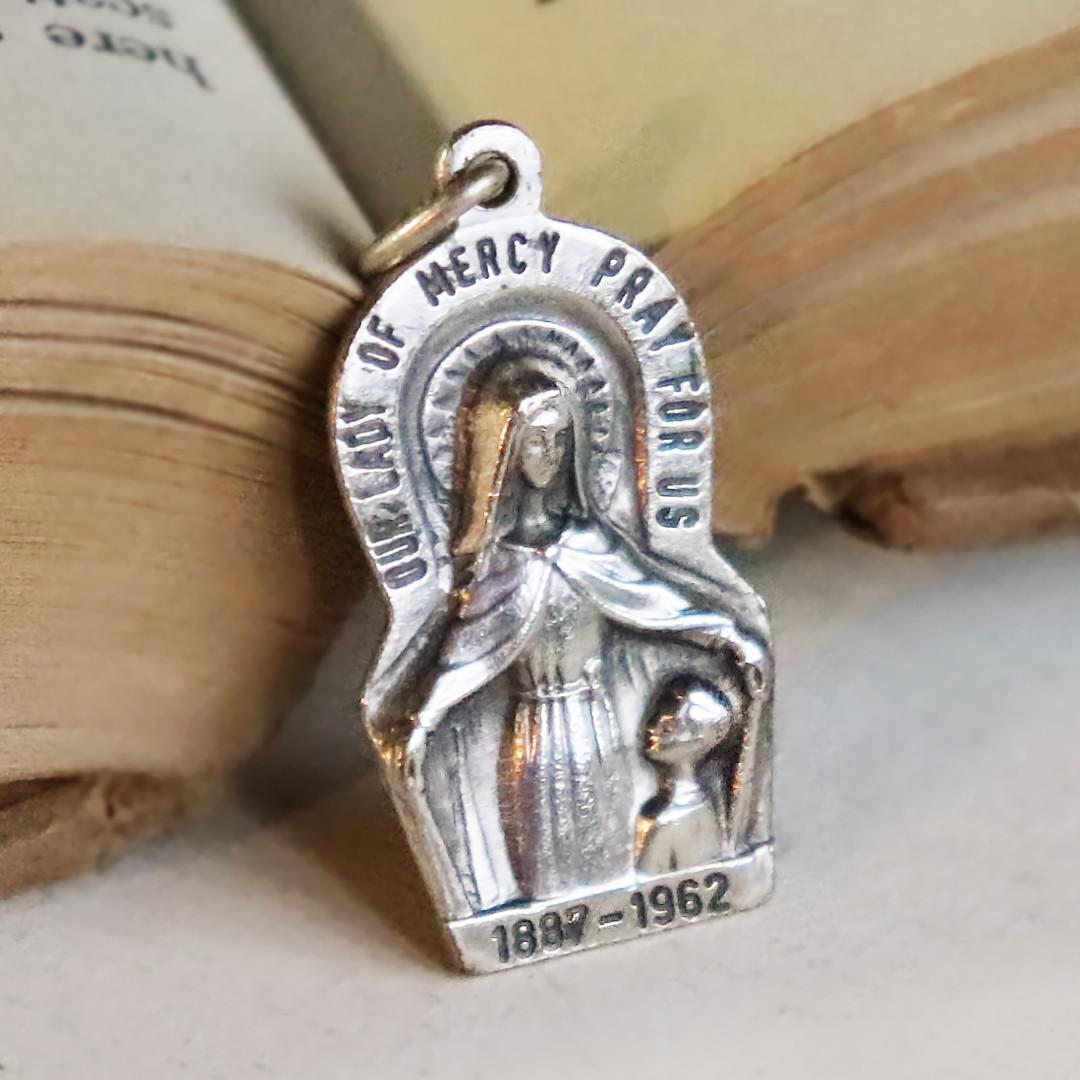 アンティークメダイ|USAヴィンテージ聖母マリアのメダイペンダントチャーム