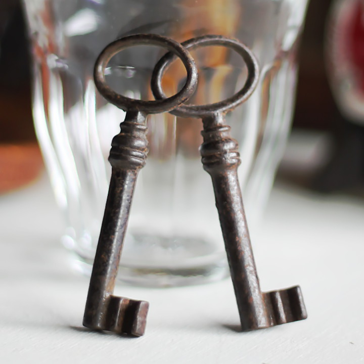 画像1: USAヴィンテージ鍵2本セット65mm|古いアンティークキー・アンティーク鍵・カギ (1)