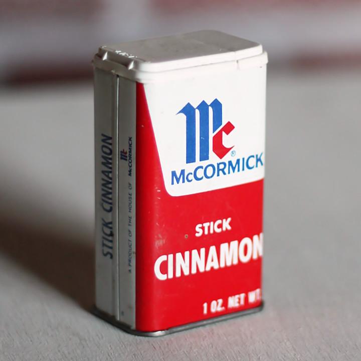 画像1: USAヴィンテージティン缶アドバタイジング|スパイスMcCormick Stick Cinnamon (1)
