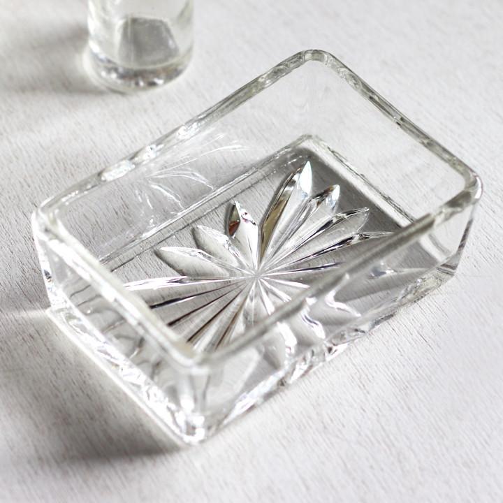 画像1: アメリカヴィンテージカットグラスガラストレイ|アンティーク小物入れ小皿 (1)